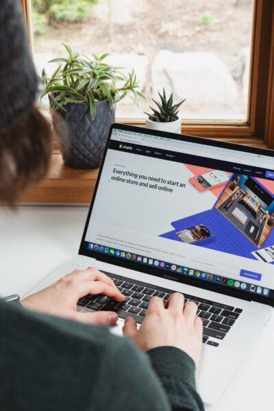 Shopify – नवउद्योजकांसाठी एक Digital वरदान