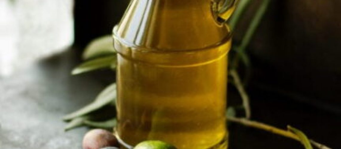 clear glass cruet bottle